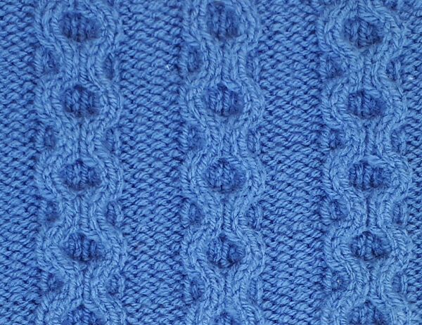 Chain Cable Stitch Pattern [FREE Knitted Stitch Pattern] | learnknittingonline.com