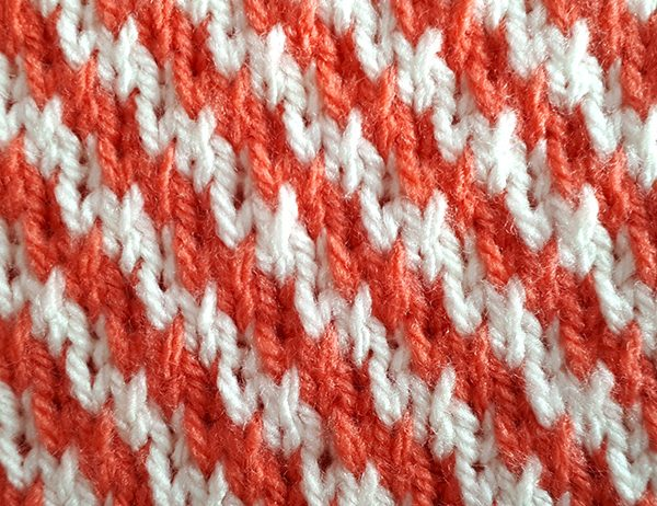 Diagonal Stripe Pattern [FREE Knitted Stitch Pattern] | learnknittingonline.com