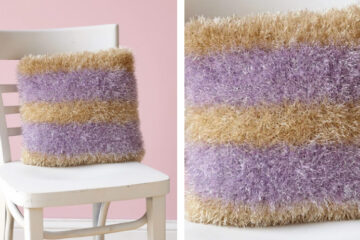 Glitter Stripes Knit Pillow [FREE Knitting Pattern] | theknittingspace.com