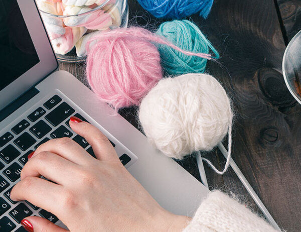 6 Things To Keep In Mind and Have A Great Virtual Knitting Time! | learnknittingonline.com